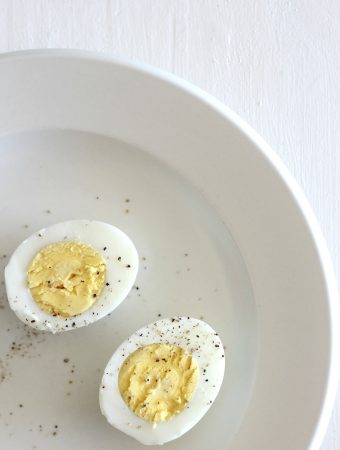 Plain and simple instructions on how to prepare hard boiled eggs.