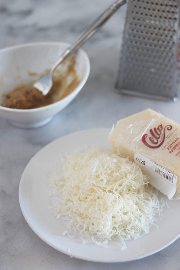 Low carb garlic cream sauce recipe #lowcarb #keto #lchf #garlicalfredo